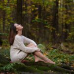 Осенняя фотосессия девушки в лесу