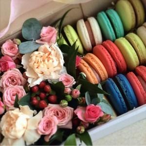 Cладкая флористика, сладкая флористика своими руками, Европейская флористика для вашей свадьбы, Сладкий стол на свадьбу, оформление сладкого стола на свадьбу, сладкий стол, сладкий стол на праздник, сладкий стол на день рождение, Сладкая корзина на свадьбу, бейби - боксов, sweetbox, макарони, макаруны, Французский макарон, креативная флористика, оригинальные букеты, Букет цветов со сладостями, корзины цветов с бабочками, Бабочки и цветы, Подарочные корзины со сладостями, капкейки, реквизит для фотосессии, Сладкая флористика реквизит для свадебной фотосесии, Сладкая флористика на 8 марта, Сладкая флористика на день Валентина, Подарочная флористика на 8 марта, Сладкая флористика на Love story