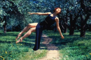 Левитация в цветущих садах