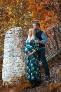 Осенние фотосессии беременных на природе