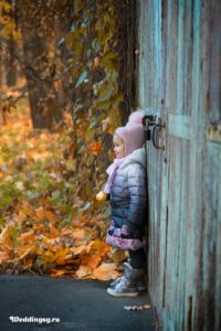 Осенняя фотосессия с ребенком на природе