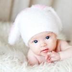 портрет маленького ребенка в фотостудии
